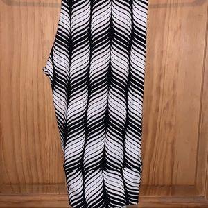 NWT OS LLR B&W Vertical Striped Leggings